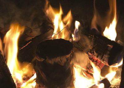 Brenning av leiredyppet flettverk